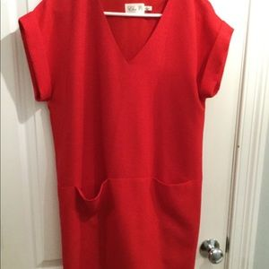 Red Eliza J shift dress size 6, with pockets!